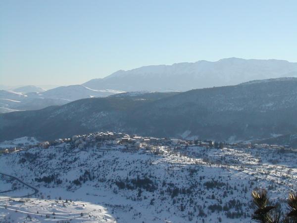 Castelvecchio-Calvisio(-L'Aquila-).-Febbraio-2012..jpg